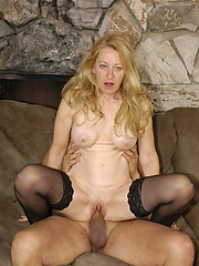 Cum watcth this granny get butt fucked hard!