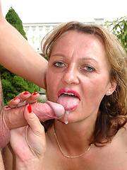 Euro housewife fucking outdoor