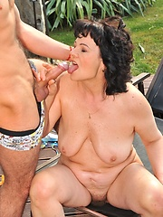 Young guy w hard cock smelling n fucking old pussy