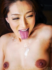 Marina Matsumoto gets cum on tongue from dicks and uses vibrator