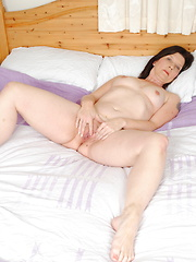 This housewife loves to play alone