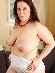 This big mama loves to play with her dildo