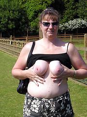 Wild sex hungry aged sluts flashing outdoors