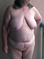 Mature country wives showing their chubby bodies
