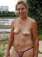 Professional and amateur mature flashers