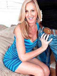 mature model Jenna Covelli